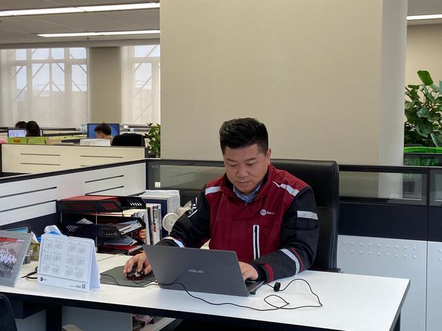 """上海诞生快递高级工程师""""第一人"""" 曾研发RFID分拣系统"""