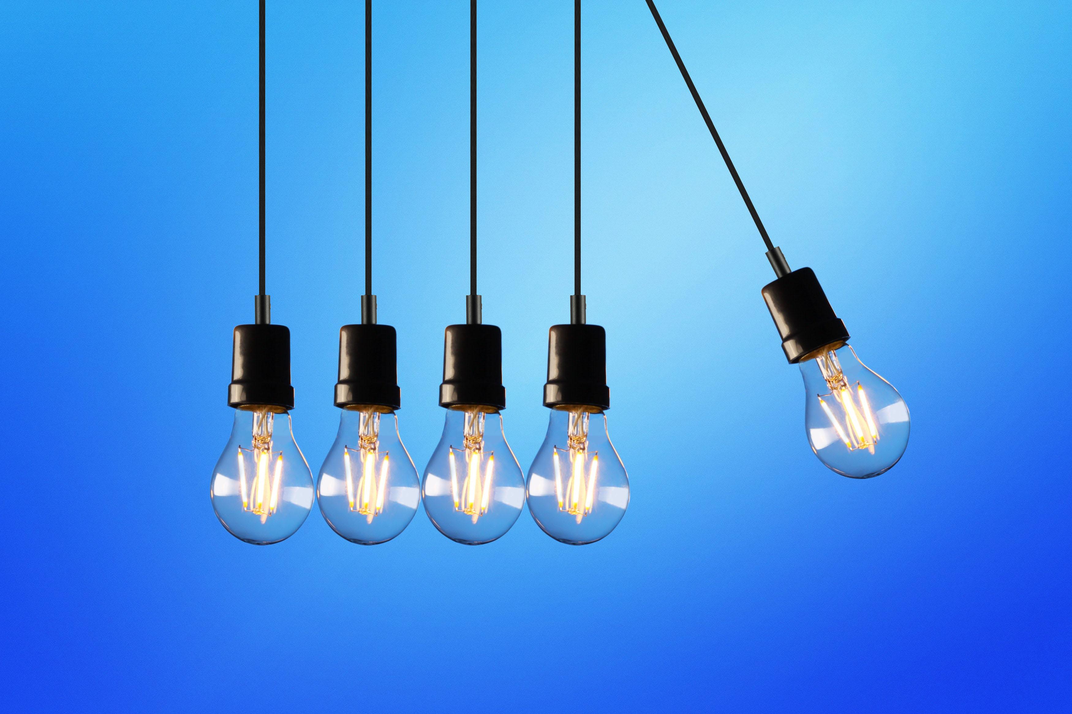 five-bulb-lights-1036936.jpg