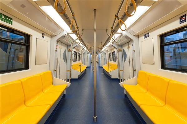 深圳首条无人驾驶地铁线年底通车列车可自动唤醒